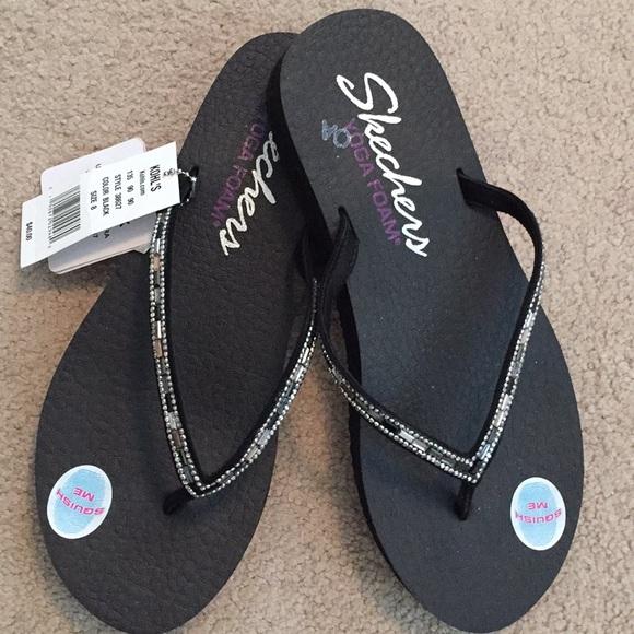 52f259f3a80 Skechers Jeweled Yoga Foam Sandals Size 9